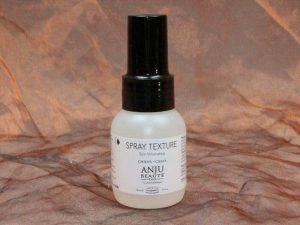 Anju Beauté Spray Texture Volume Spray 50 ml 1 300x225 - Anju-Beauté, Spray Texture Volume Spray,50 ml