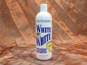 Chris Christensen White on White Shampoo 473 ml 2 300x225 - Chris Christensen, White On White Shampoo, 473 ml