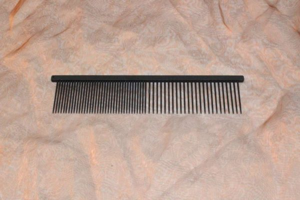 TLC The Comb Medium Coarse Extra Long 1 Pcs. 2 600x400 - TLC, The Comb, Medium / Grof Extra Lang, 1 Pcs.