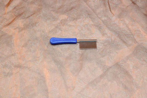 TLC The Comb Mini Face Comb 1 Pcs. 2 600x400 - TLC, The Comb, Mini Gezichts Kam met handvat, 1 Pcs.