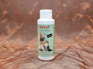Vetyl Dryshampoo Black 100 gram 3 300x225 - [:nl]Vetyl, Droogshampoo Zwart,100 gram[:en]Vetyl, Dryshampoo Black,100 gram[:de]Vetyl, Trockenshampoo Schwarz,100 gram